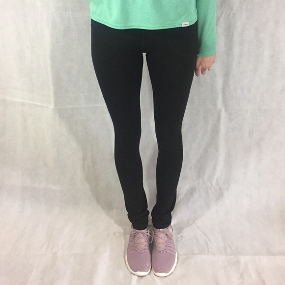 4997b8c98 lululemon athletica Pants - Lulu lemon size 4 legging similar to Skinny  Groove